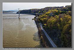 Palisades_and_Mid-Hudson_Bridge.jpg