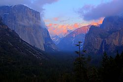 Yosemite_Valley_Tunnel_View_Edited.jpg