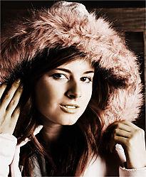 girl_in_the_hood2.jpg