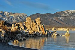 Direct_Sun_and_shadow_Fog_South_Tufa_Mono_Lake_High_Sierra_Ca_USA_2012_Rob_Manning_2.jpg