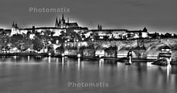 Charles_Bridge_at_Night_Mk_1.jpg
