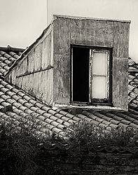 Lisbon_Alfama_Dormer_2010_SEP2_14x11.jpg