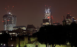London_2013_Tower_und_Mary_Axe.jpg