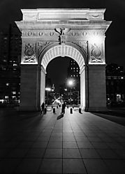 Manhattan_at_Night-07.jpg