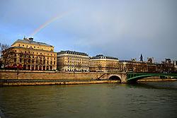 seine-rainbow.jpg