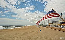 Flag_at_Asbury_Park_NJ_0402rw.jpg