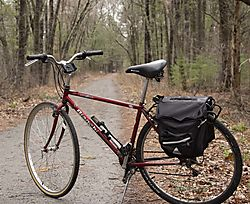 DSC_1989_Red_Bike_Bay_Circuit_Trail.jpg