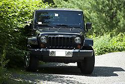 Jeep_at_Trail_Head.jpg