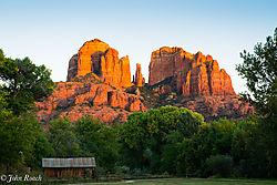 Cathedral_Rock_-_Sedona_Arizona.jpg