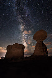 balanced-rock-milky-way-.jpg