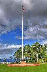 US_flag_at_American_Cemetery_Omaha_Beach.jpg