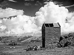 Abandoned_farm_2.jpg