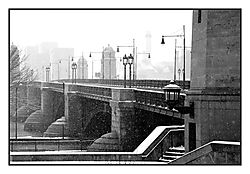 DSC_7011_-_Longfellow_Bridge.jpg