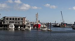 Wharf_View_With_Bracketing_-_Short.jpg