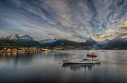 Harbor_Morning_Ushuaia.jpg