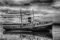Wreck_of_the_St_Christopher_Ushuaia.jpg