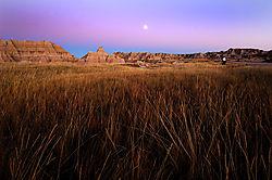 badlands_moonrise_1200px.jpg