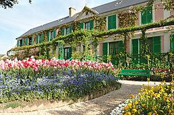 Monet_House_and_Garden_1_.JPG