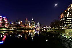 Melbourne_Southbank_Promenade.jpg