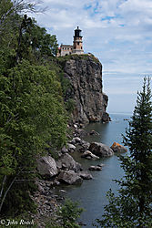 Split_Rock_Lighthouse_1.jpg