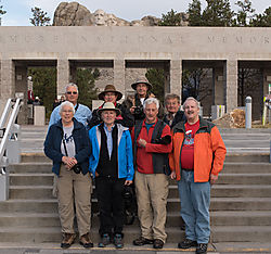 Van_2_at_Mt_Rushmore.jpg