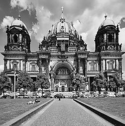 Berlin_L814825_DxOVPSWco9a-2.jpg
