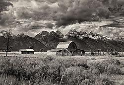 Mormon_Barn_and_Tetons_2.jpg