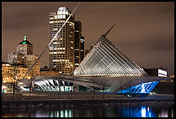 Milwaukee_Art_Museum_Night_2-2.jpg