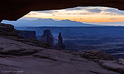 Blue_Hour_at_Mesa_Arch.jpg