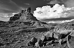 Valley_of_the_Gods_B_W.jpg
