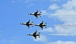 Thunderbird_formation_2.jpg