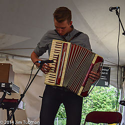 CFMF2014_Accordianist.jpg
