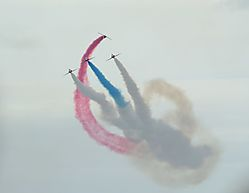 red_arrows_7_1241x960.jpg