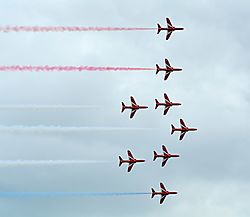red_arrows_9_1105x960.jpg