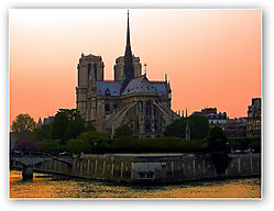 Notre_Dame_golden_hour.jpg