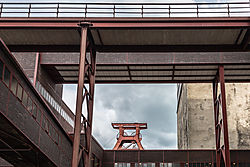 Zeche_Zollverein_-_L811425.jpg