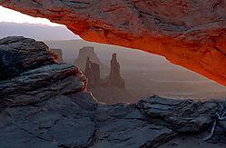 jrp6_sunrise_mesa_arch_large_1024w.jpg