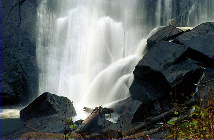 2jrp-rainbow-falls-1