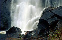 2jrp-rainbow-falls-1.jpg