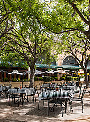 Stanford_Shopping_Center_Tables_and_Chairs_2015-0015.jpg