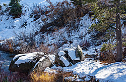 Donner_Pass_River_Bank_and_Snow_2016-0071.jpg