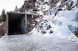 Donner_Summit_Snow_Shed_and_Sheet_Ice_1287.jpg