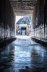 Donner_Summit_UPRR_Tunnel_6_East_Entrance_and_Tunnel_7_0860.jpg