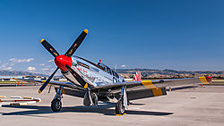 Livermore_Fly-In_P-51_2011-0048.jpg