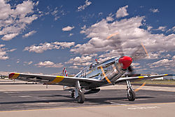 Livermore_Fly-In_P-51_Mustang_2011-0018.jpg