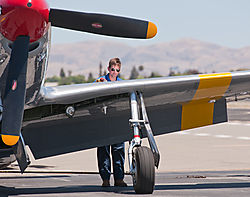 Livermore_Fly-In_P-51_Mustang_2014-0071.jpg