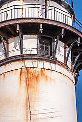 Pigeon_Point_Lighthouse_Corrosion_Damage_2011-0040.jpg