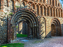 Priory_gate_Colchester.jpg