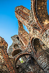 Priory_ruins_in_Colchester.jpg