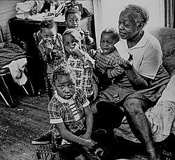 Poverty_family.jpg